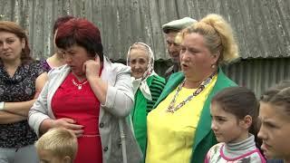 ОБРЯД. РІЗАННЯ БАРВІНКУ. Традиції українського весілля