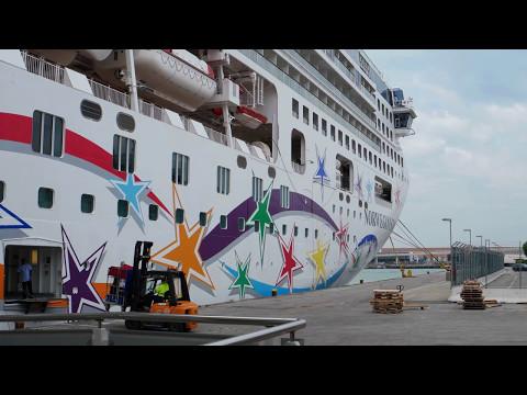 Norwegian Star Complete Video Tour 2017 (QHD) @CruisesandTravelsBlog