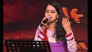Ponnurukum pookkalam live - by Mridula Warrier @ Celluloid Mega Event