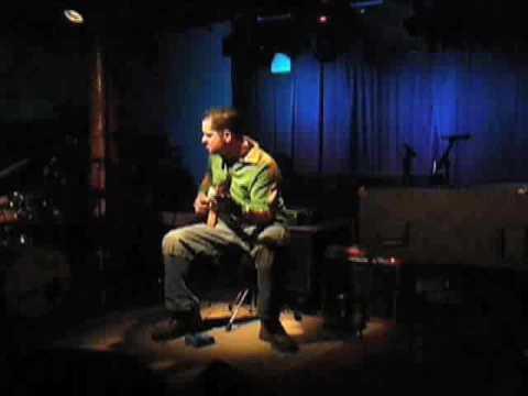 CHARLIE HUNTER plays it live!