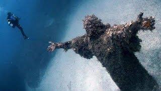 6 Bức Tượng Huyền Bí Dưới Lòng Đại Dương