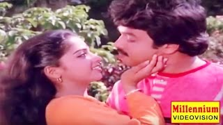 Malayalam Evergreen Romantic Film Song | Aananda Poomuthe | Varshangal Poyathariyathe | KS Chithra