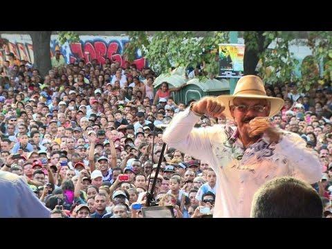 Concert de la star de la salsa Oscar D'Leon à Caracas