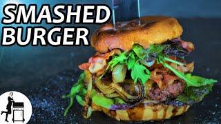 Smashed Burger - das Rezept mit 100 % Röstaromen von der Feuerplatte