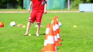 Clever Soccer Tricks for Kids - WITH FC BAYERN MUNICH COACH [TRAILER]
