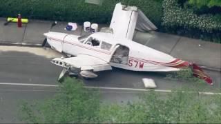 Small plane crashes at Mukilteo, Wash. intersection
