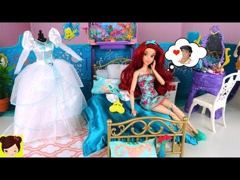 Barbie Ariel Rutina de Mañana con Vestido de Novia en Dormitorio de Sirena