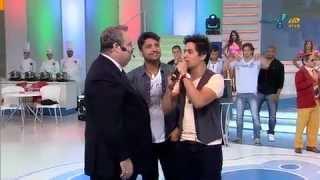 RedeTV! - Sábado Total - Vídeos - Radialista de Jundiaí indica um sucesso musical Fred e Gustavo