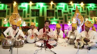 Older boyfriend still has online dating profile with new pictures