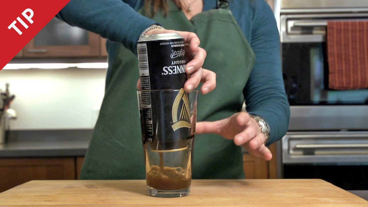 how to pour the perfect guinness from a can chow tip youtube