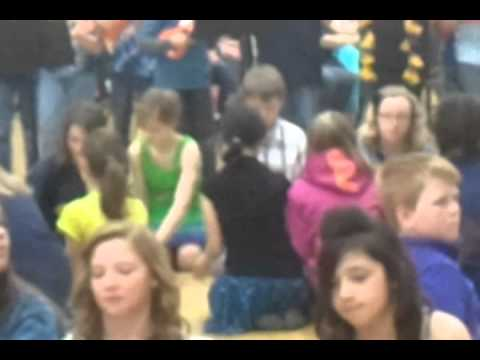 Mackinaw trail middle school does cup song.