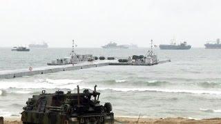 Армии Южной Кореи и США проводят совместные учения