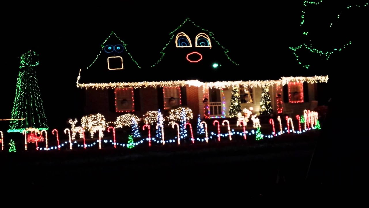 Awesome Christmas Light Show Fayetteville NC - YouTube