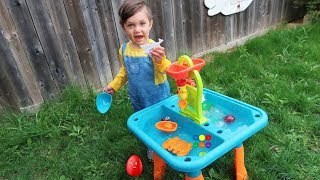 Learn Colors with Water Balloons for Children Toddlers and Babies! Sand and Water Table