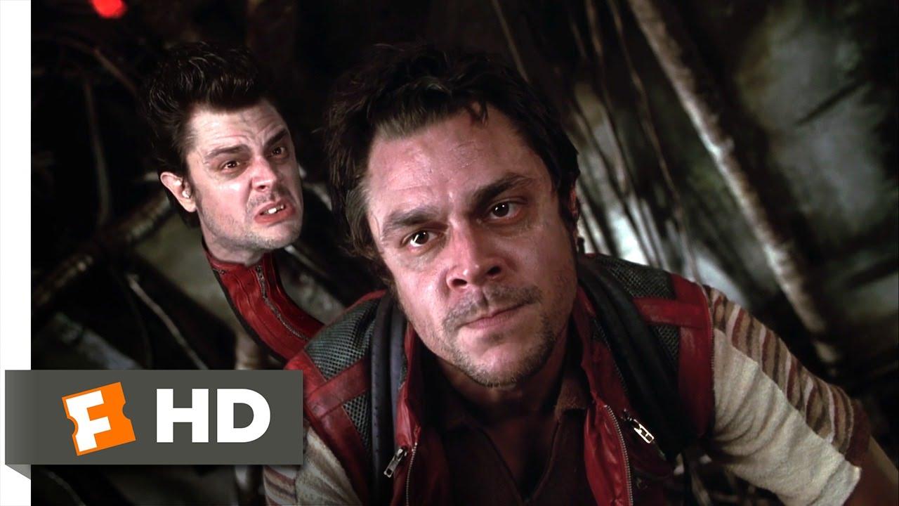 Men in Black II - Fighting the Alien Gang Scene (5/10) | Movieclips