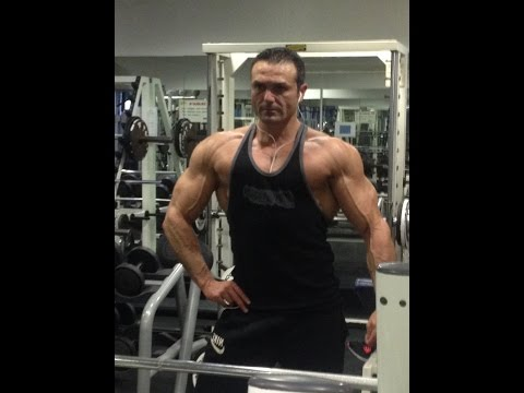Musculation des épaules : le Développé Arnold