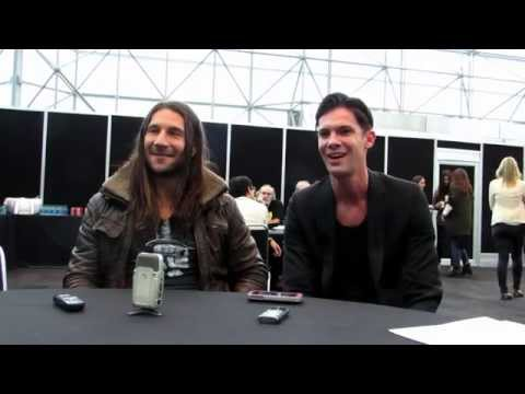 EXCLUSIVE : NYCC 2014  Black Sails' Zach McGowan & Toby Schmitz
