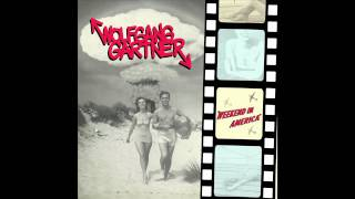 Play Circus Freaks (Feat. Jim Jones & Cam'ron)