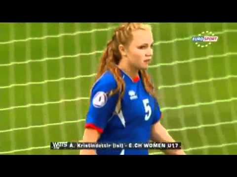 The worst female Goalkeeper ever U17 Women
