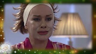 La Rosa de Guadalupe: ¡Alejandra está obsesionada con las cirugías!   Una manita de gato