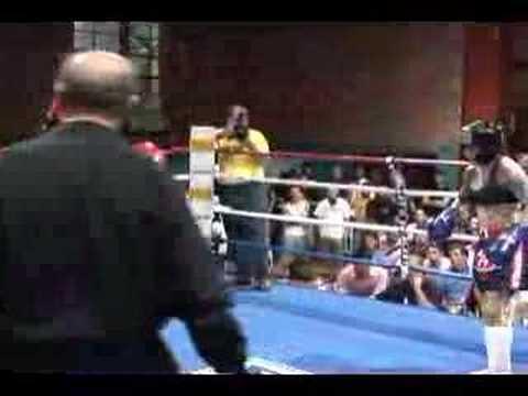 Danica Johnson v.s Deb Liao Muay Thai Amateur Fight