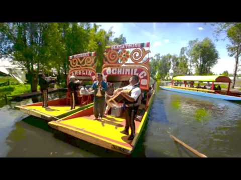 "Gliding through Mexico's ""Little Venice"""