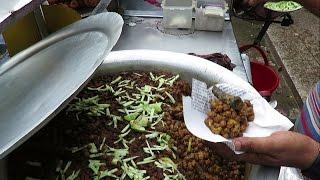 "Street food of Bangladesh | ""Jahaingir Mamar Ghugni Chula"" Noapara, Jessore | Bangladeshi Food"