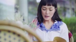 ジョルジオ アルマーニを纏った女優・板谷由夏が仕事、人生、そしてファ...