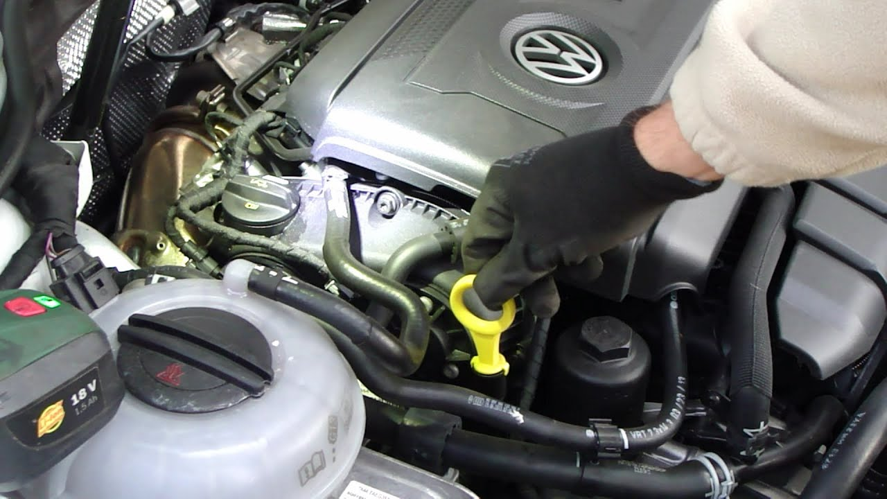 How to check and add oil VW Golf VII gasoline 220HP engine 2 liter. (A7/Typ 5G).Years 2013 to ...