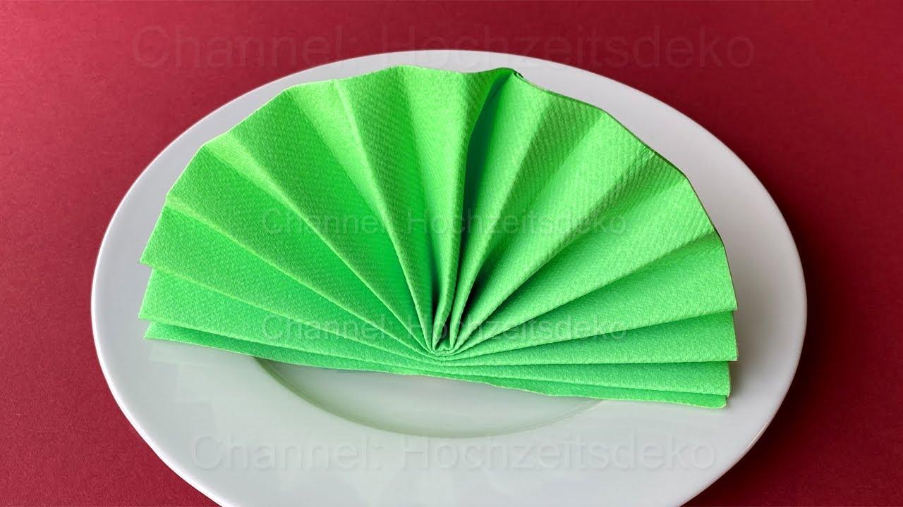 Servietten falten: Fächer - Einfache Tischdeko selber machen für Hochzeit oder Weihnachten