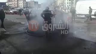 شاهد بالفيديو...احتراق سيارة في محور دوران الباهية في  وهران