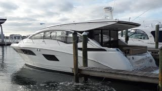 2017 Sea Ray Sundancer 400 Sport Yacht For Sale at MarineMax Sarasota