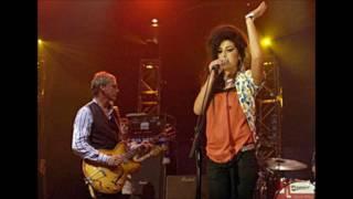 Amy Winehouse & Paul Weller I Heard It Through The Grapevine