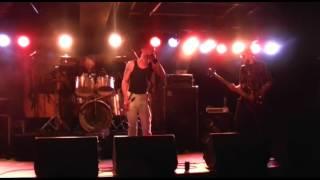 Die Nakse Bananen - Throwing Bombs (live)
