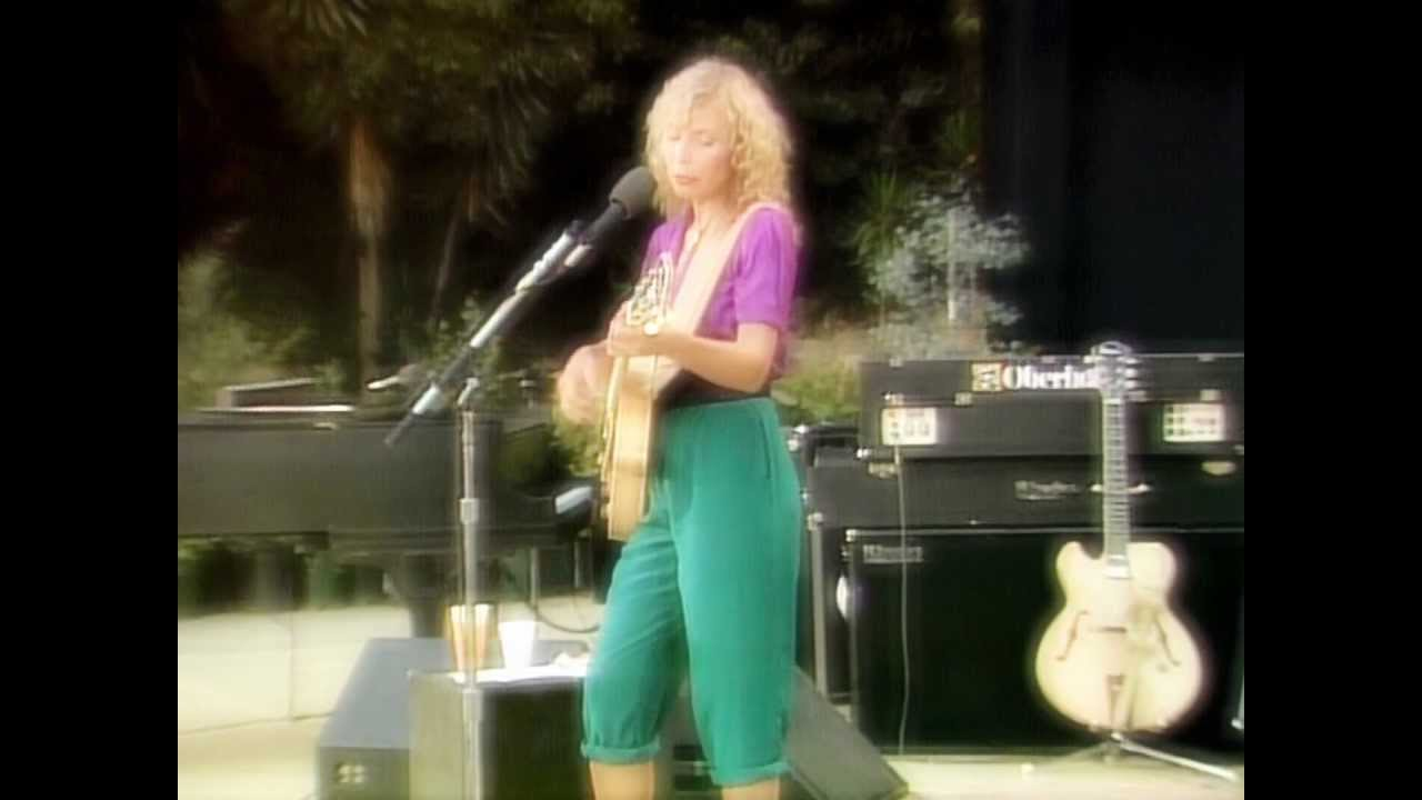 Joni Mitchell - Amelia (Live 1979) - YouTube