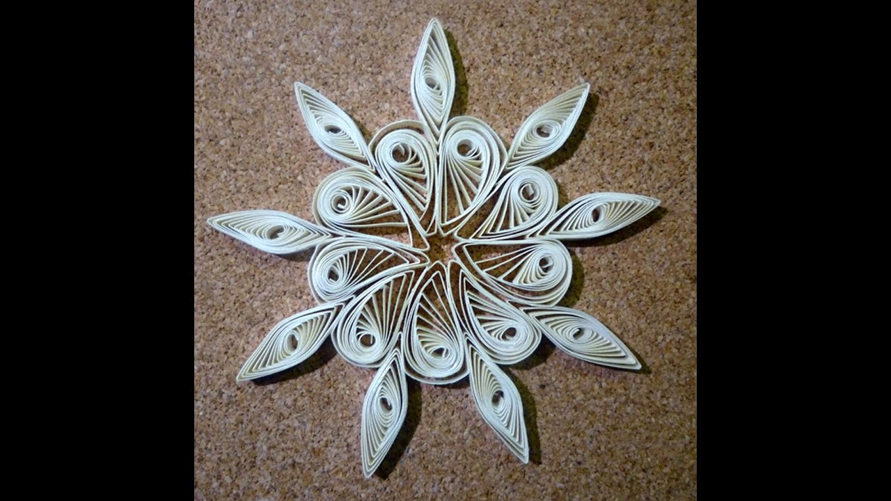 Quilled christmas decoration n°1 step by step - YouTube