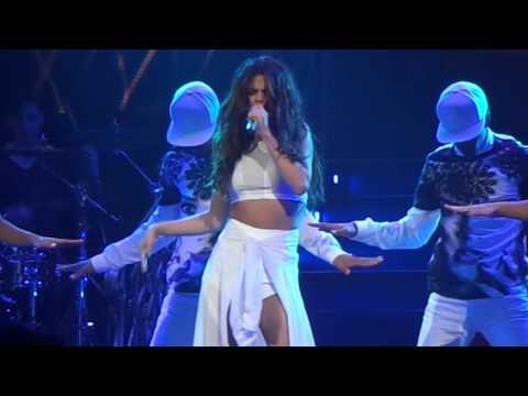Selena Gomez - Round & Round Live - 11/10/13 - San Jose, CA - [HD]