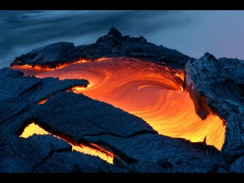 Amazing up-close photos of a raging volcano