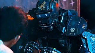 """Робот получает имя """"Чаппи"""" / Робот по имени Чаппи (2015)"""