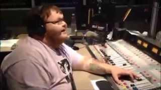 Benton Blount sings The Humpty Dance The Rise Guys Karaoke Challenge