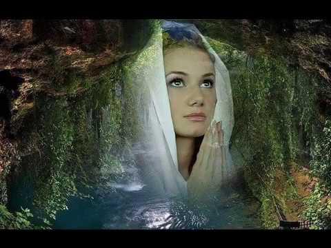 дай Бог  поет Ирина Павлова ( Беглица )