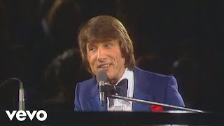 Medley: Clementine / Down by the Riverside / He's Got The Whole World (Udo live '77 12....