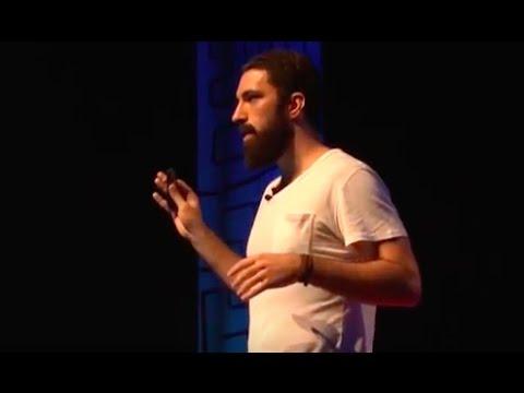 Dinheiro: outro modo de usar | Eduardo Amuri | TEDxUDESCJoinville