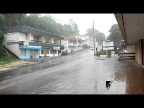 cyclone Pam begins to hit Port Vila - 13/03/2015