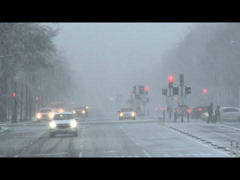 Blast of winter weather hits Washington, DC