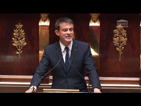 Loi Macron: Valls utilise le 49.3, grogne des frondeurs et de la droite