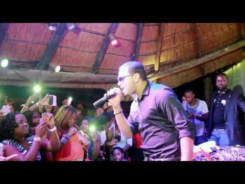 Mika Mendes   Neuza   DJ Waldo - Julho 2013  Luanda -  Angola