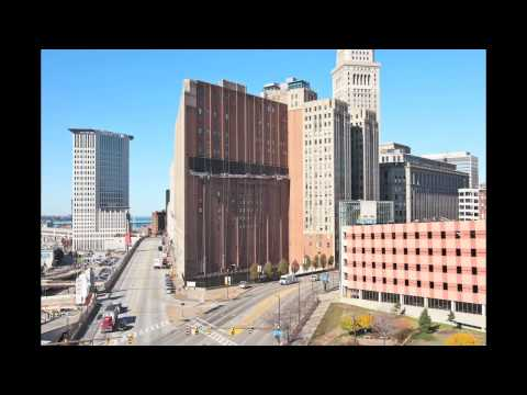 Cleveland Ohio Sherwin-Williams Banner Hanging Time Lapse