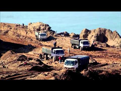 Le sable  Enquête sur une disparition 2013 (extrait)