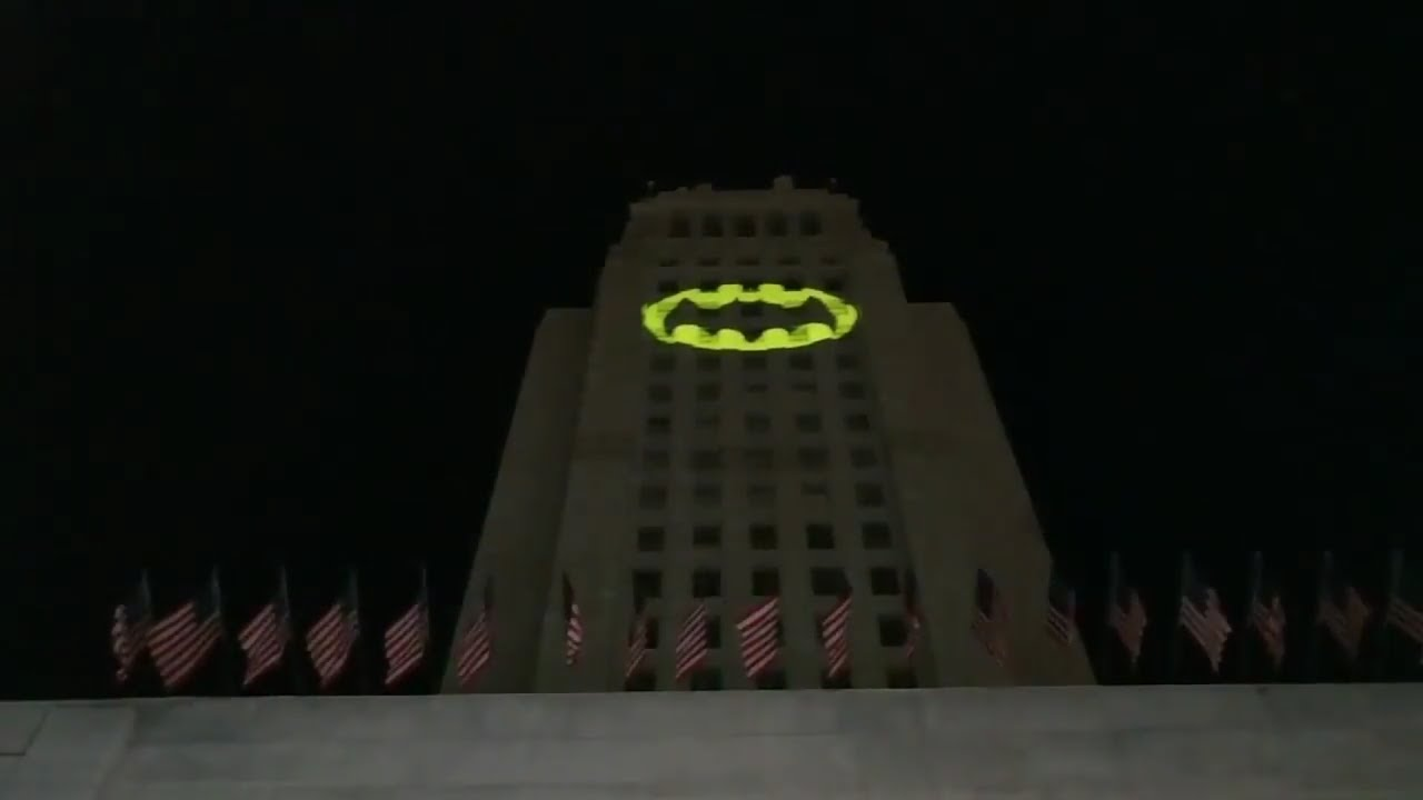 Batlight Shines On Line For Dark Knight >> Batman Adam West Bat Signal Shines On La City Hall No Intro Or